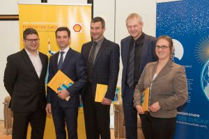 shell-hydrogen-study-is-being-presented-by-the-team-of-authors-in-germany